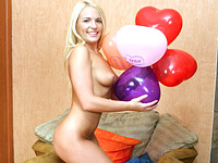 Balloon loving teen beauty plays with her smoking hot body