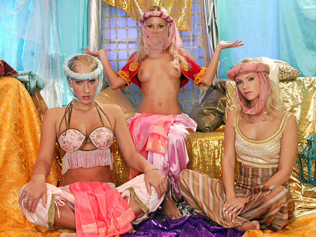Horny harem ladies want some lesbo action