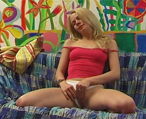 Gallery th 44918 t. Sexy girl enjoyment her tight young cooch on the couch