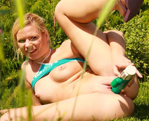 Jasmine dildos. Hot Jasmine strips outside to use her dildo in the grass
